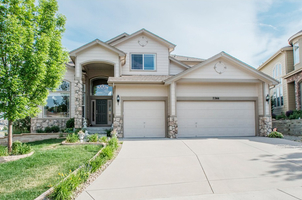 Single Family Home in Castle Pines North